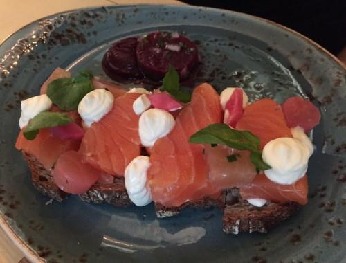Jusqu'au 20 novembre,«LAKS», le saumon en norvégien s'installe à la table des parisiens.