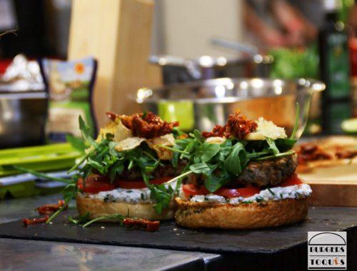 Vous avez jusqu'au 24 avril pour créer et déposer votre recette sur le site www.burgers-toques.fr. Le thème de cette année la fusion food, et 4 catégories au choix