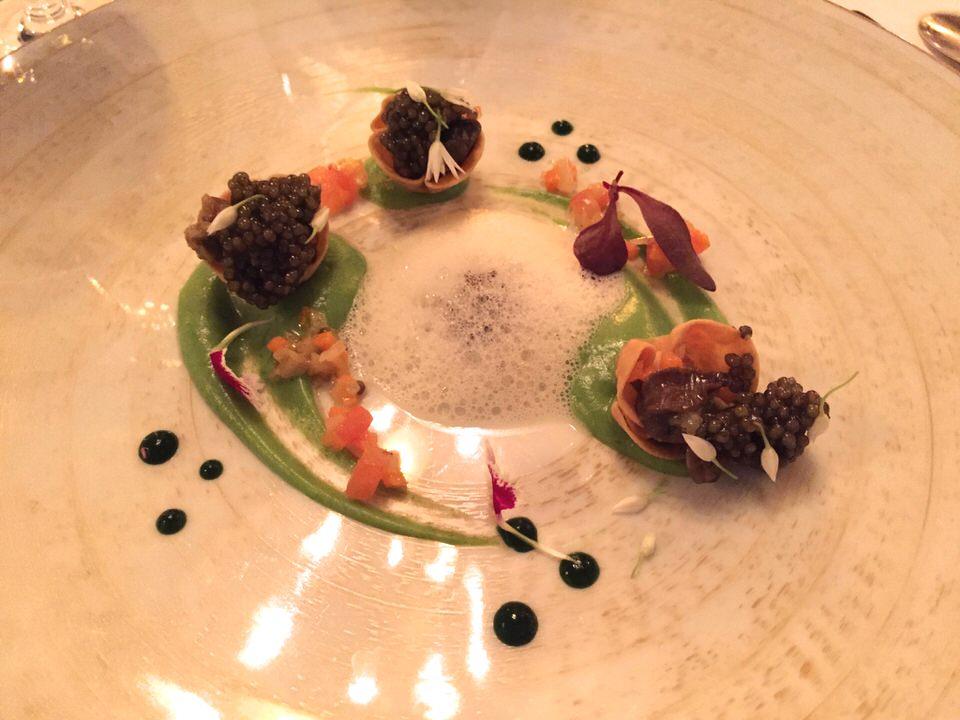 Les petits gris, caviar et purée carotte blanche ail des ours - une réussite