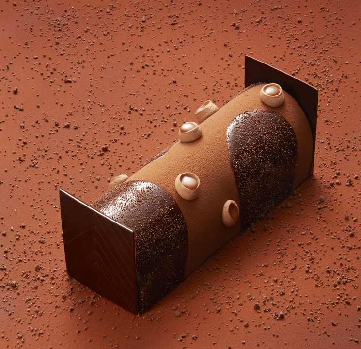 La bûche Chocolat Tonka ©Laurent Fau