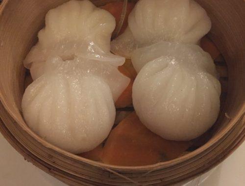 Ouvert en 1993 par Shimin Chen et son épouse Danyang, le restaurant le Lys d'Or s'inscrit parmi les bonnes tables chinoises de la capitale.