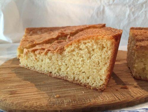 Une envie subite de gâteau au yaourt... Mais je n'ai pas pu m'empêcher de le revisiter ! Voici donc une recette légèrement revue dont vous me direz des nouvelles