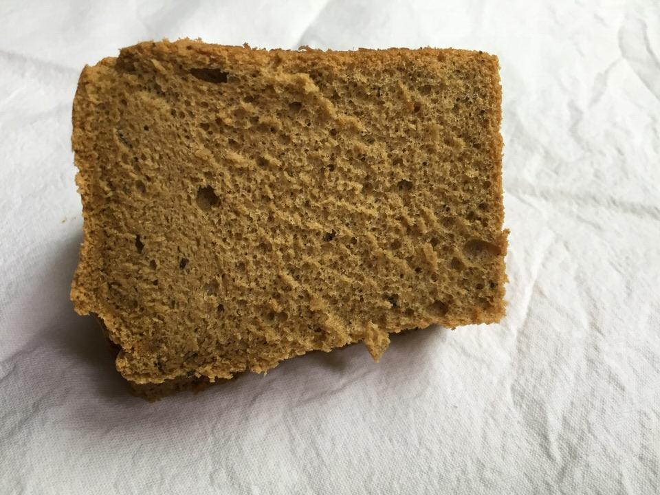 """J'ai découvert ce gâteau au Japon et j'en suis tout de suite devenu addict !! Ce chiffon cake porte bien son nom. C'est un gâteau """"magique"""" par sa texture ultra moelleuse, presque aérienne"""