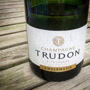 Un champagne dune incroyable lgance parfait quilibre entre le fruithellip