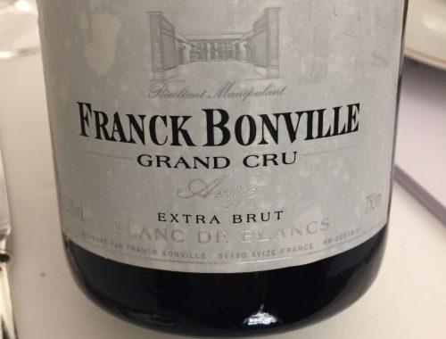 L'histoire cette maison de champagne trouve son origine dans un pari audacieux, fait par Franck Bonville au début du XXe siècle