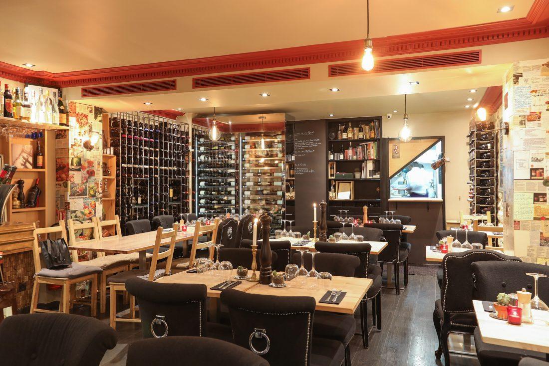 Carte des vins drastiquement sélectionnée, assiette soignée et service mêlant décontraction et professionnalisme, ce Petit Commines a vraiment tout pour plaire...