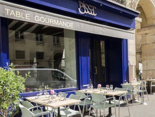 Un restaurant qui assume ses classiques dans le quartier de la bourse, avec quelques plats de gibiers à savourer en saison...