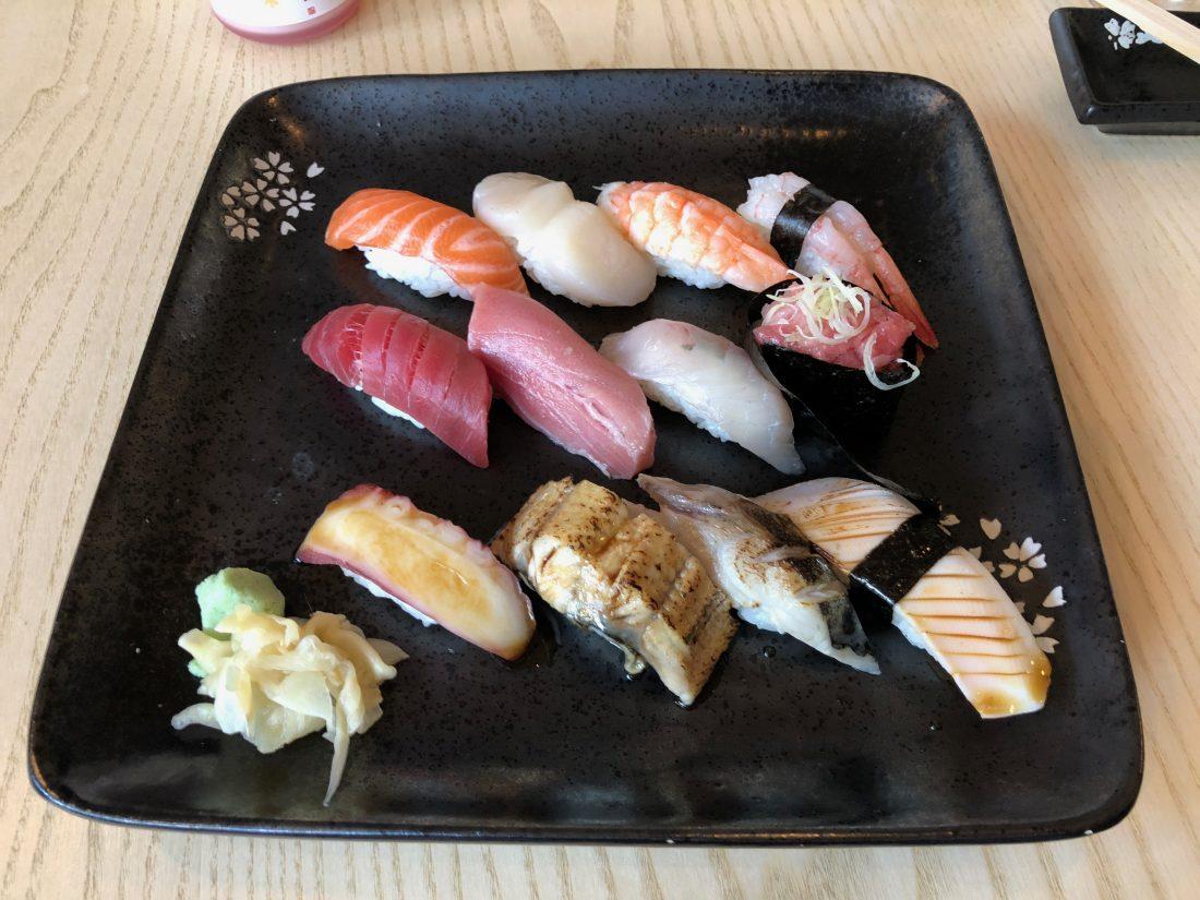 Les bars à sushi de qualité sont peu nombreux dans la capitale. IZUMI s'avère être une référence en la matière...