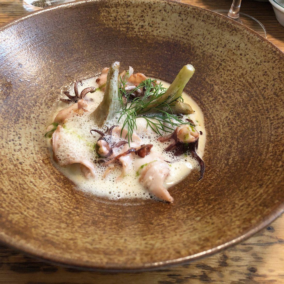 À la tête de Pianovins, nouvel inscrit sur la liste des restaurants parisiens, deux amis ayant déjà bien bourlingué dans le métier : Michel Roncière et Éric Mancio...