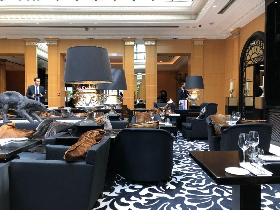 Fraichement intronisé Maître Cuisinier de France, Sébastien Roux, 31 ans, prend les commandes des cuisines de l'hôtel Hyatt Madeleine